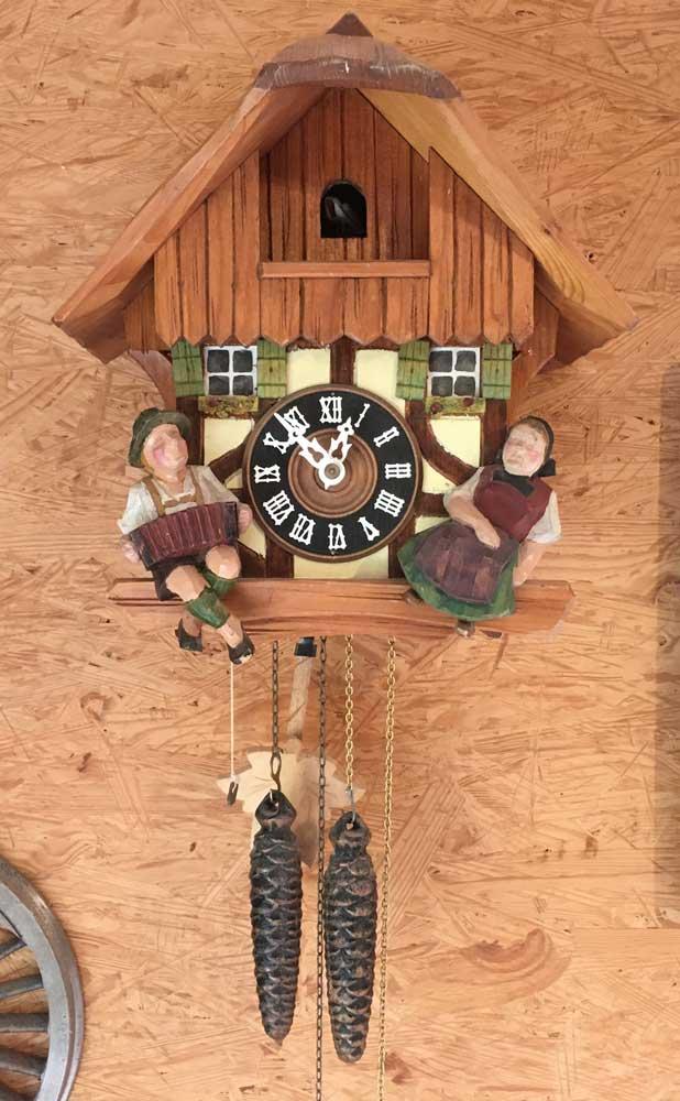 Gerhard von Ruckeschell: Cuckoo clock with Black Forest house and figures